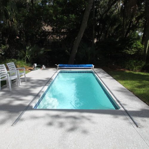 The Cyberlane is a petite fiberglass swimming pool with a modern rectangular design. This fiberglass pool ships with an optional attached spa. We provide you with options so you can maximize your outdoor living space with areas you want to use!