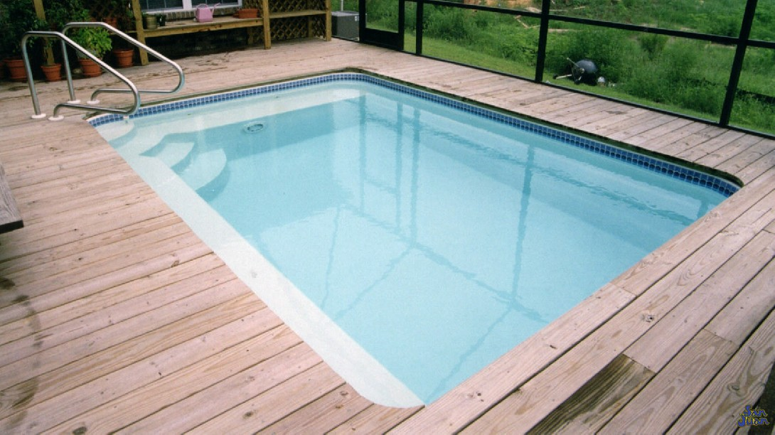 The Sea Isle is a petite, rectangular fiberglass swimming pool. It includes a wide array of bench seating leading & corner entry steps. Lastly, its flat bottom design makes it extremely comfortable for cooling off and soaking for water therapy.