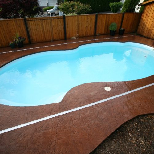 "The Atlantic Deep is a fully loaded fiberglass pool design. With an overall length of 33' 1"", this pool provides ample swim space with a luscious deep end design. Dive right in and enjoy it's crystal clear, cool waters for hours of summer fun!"