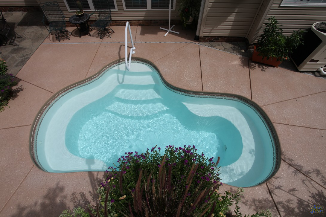 The Crystal Springs is a petite fiberglass shell that can operate either as a fiberglass pool or spa. Therefore, this free form shape can be referred to as a hybrid model. For those who refer to utilize their backyards for relaxation and soaking, the Crystal Springs is the perfection option!