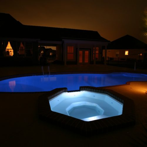 The Grande Spa is a captivating fiberglass spa able to hold up to 8 bathers at a time. Designed with an interesting shape that entertains the eye, the Grande Spa is the perfect addition to any of our fiberglass pool designs!