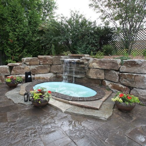 The Royale Spa is a stunning fiberglass spa designed to soothe and relax the soul. Perfectly paired with outdoor landscaping, the Royale Spa blends right into any outdoor oasis!