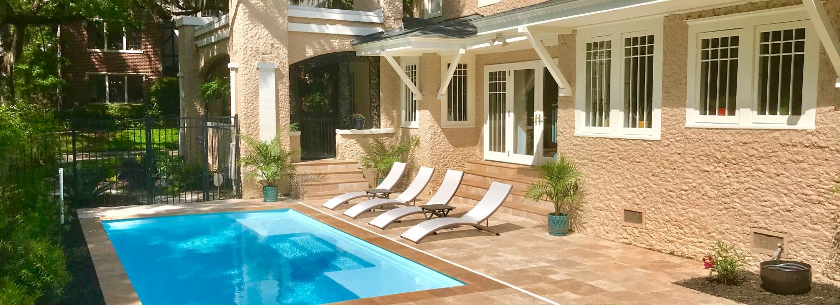 "The Broadway is an elegant & modern fiberglass pool design. It comes standard with a maximum depth of 4' and two tanning ledges that are 8.5"" deep."